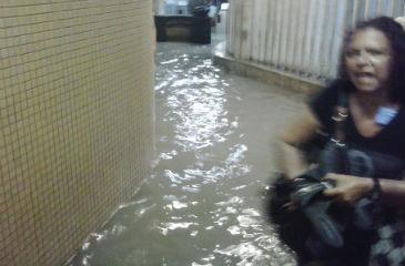 Estação do Barro volta a ficar alagada nesta quinta-feira. Foto:Joyce Gabriela/Facebook