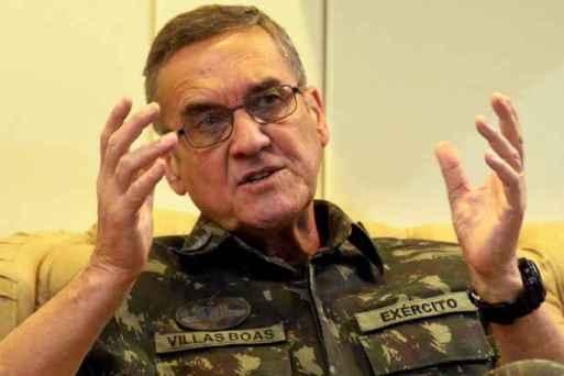 Resultado de imagem para comandante do Exército, general Eduardo Villas Boas