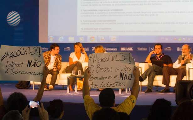 Manifestação pela aprovação do Marco Regulatório na Campus Party (Cristiano Sant'Anna/indicefoto)