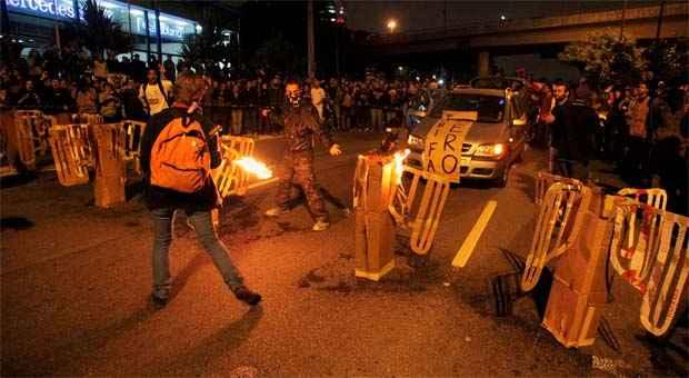 Polícia militar de São Paulo vai começar a agir com mais rigor contra os protestos (REUTERS/Stringer/Chico Ferreira)