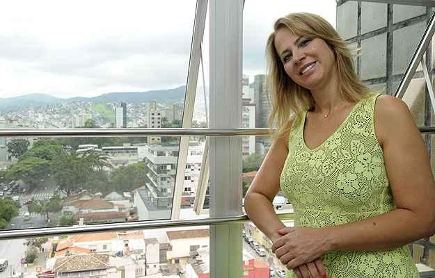 Em vez de deixar dinheiro no banco, a empresária Eliane Capistrano lucra com a compra e venda de apartamentos de até 100 metros quadrados, voltados para as classes C e D  (Jair Amaral/EM/D.A Press)