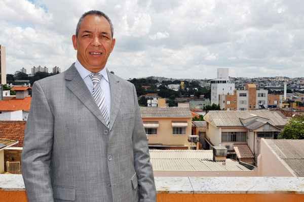O contador José Ronaldo Coelho optou pelo Bairro Nova Suíssa e destaca as vantagens da região e do imóvel (Eduardo de Almeida - RA Stúdio)