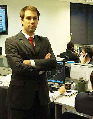 Sócio da corretora V10 Investimentos, Lucas Roque indica fundos imobiliários com rendimentos mensais entre 0,65% e 0,75%, isentos de Imposto de Renda (IR)  (Jackson Romanelli/EM/D.A Press - 27/07/2011)