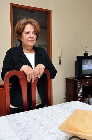 A agente administrativa Marta Conceição Tavares foi obrigada a requisitar o trabalho de um perito, por determinação judicial (Eduardo de Almeida/RA Studio)