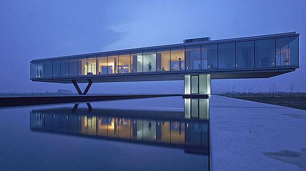 A Villa Kogelhof, na Holanda, é metade flutuante e metade subterrânea. Ideia impressionante que concorre com a casa de Itaipava (Architizer A  Awards/Divulgação)