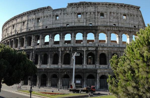Coliseu de Roma está sob observação por inclinação de 40 centímetros - Andreas Solaro/AFP Photo