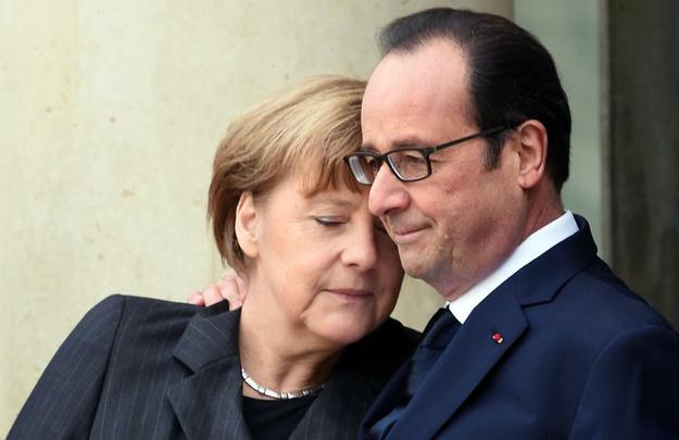 Autoridades de diversos países aderem à marcha em Paris após o atentado ao jornal Charlie Hebdo. Presidente francês François Hollande recebe a chanceler alemã Angela Merkel