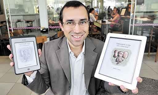 Vladimir Campos lançou Organizando a vida com o Evernote: nerd assumido, conserva, por outro lado, um bilhete escrito à mão pelo escritor Fernando Sabino, um de seus favoritos