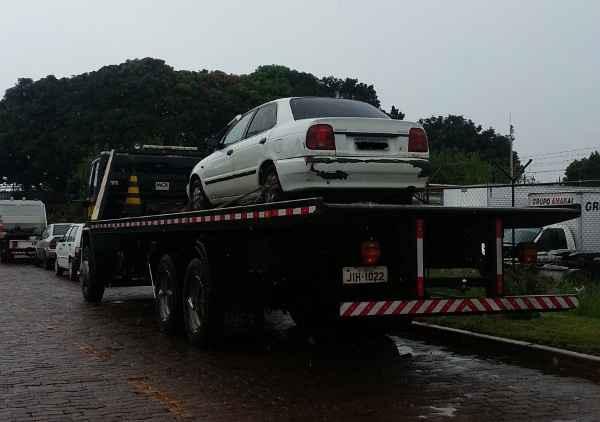 Para reaver o veículo, o proprietário precisa quitar os R$ 37.626 em multas (Detran/Divulgação)
