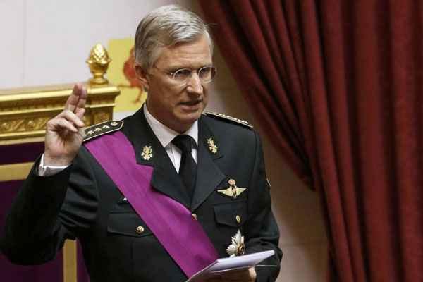 Príncipe Philippe, de 53 anos, em juramento ante as duas câmaras do Congresso (Vincent Kessler/Reuters)