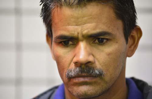 O sargento Etelmo Souza Rodrigues foi o primeiro a chegar no local do acidente com ônibus Escolar em Ceilândia, que quebrou, foi invadido pela água e deixou uma criança morta (Daniel Ferreira/CB/D.A Press)