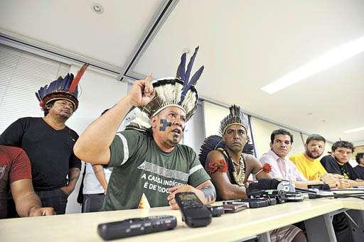 Coletiva com as lideranças dos movimentos que fizeram o ato na terça-feira: maior organização (Ed Alves/CB/D.A Press)
