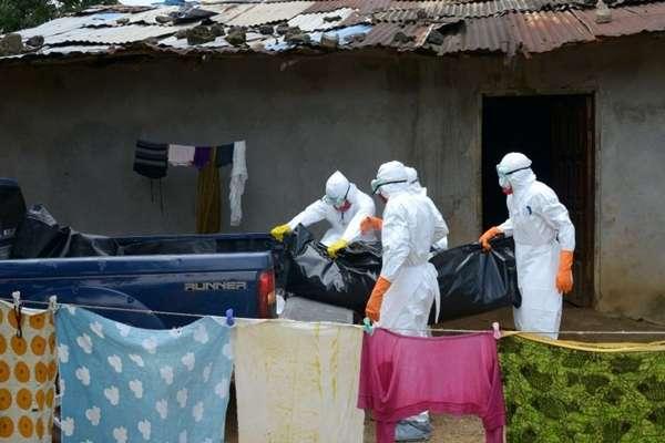 Vírus ebola já matou 2.100 pessoas em quatro países desde o início do ano - mais da metade deles na Libéria (Dominique Faget/AFP Photo)