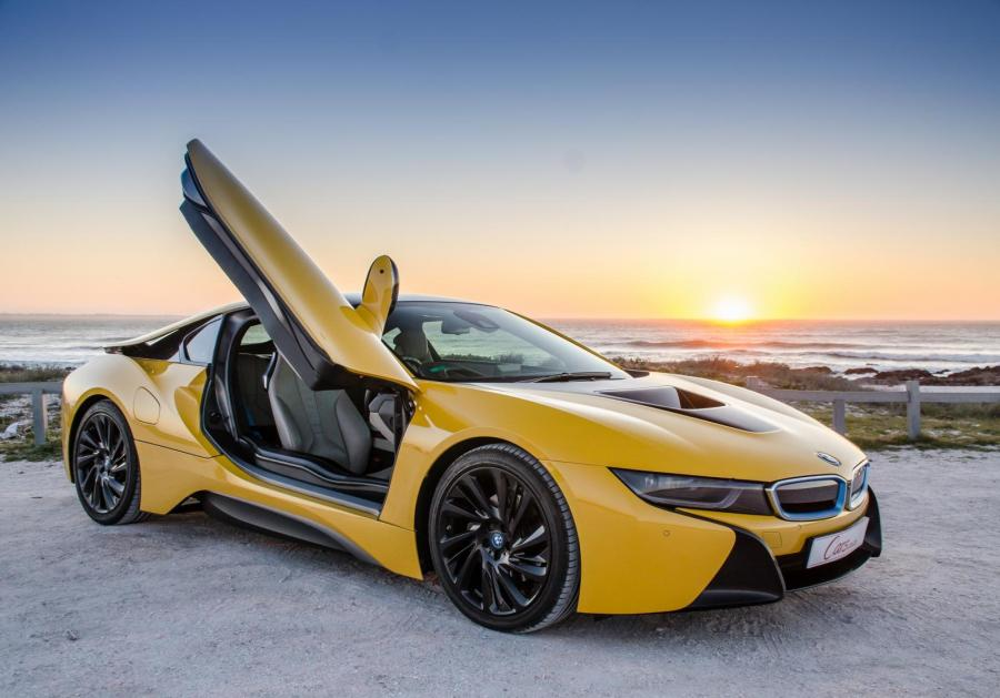 BMW i8 Coupe (2017) Review - Cars.co.za