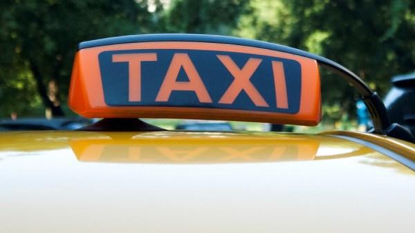Жительница Ярославля за поездку в такси заплатила 19 тысяч ...