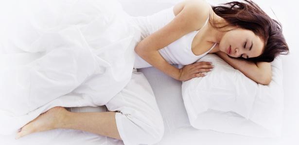 Não basta escolher o colchão e os travesseiros ideais, a postura correta também é importante