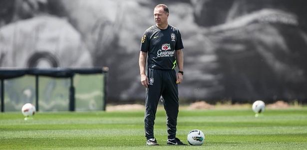 Mano Menezes sinalizou que está encerrando a fase de testes na seleção brasileira