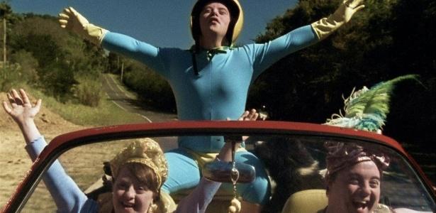 """Ariel Goldberg com a mulher Rita Pokk e Breno Viola, em cena do filme """"Colegas"""""""