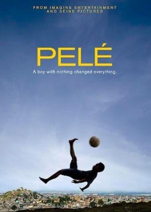 """imagem promocional do filme pele 1381769157045 300x420 - """"Eu queria ver o filme do Pelé"""" - Chaves vai ver de verdade!"""