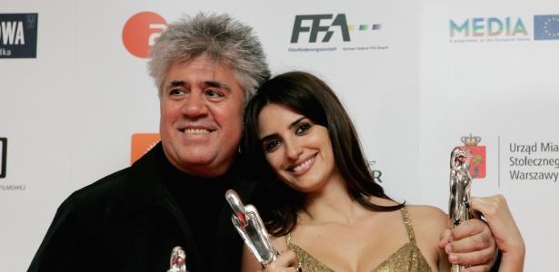 O diretor Pedro Almodóvar e a atriz Penélope Cruz
