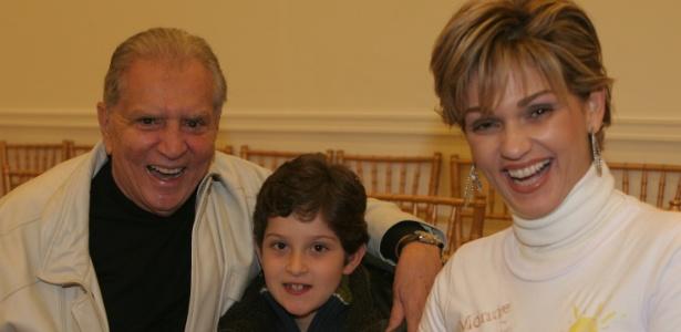 Andréa de Nobrega com Carlos Alberto de Nobrega e o filho João Victor em 2008