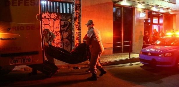 O número de assassinatos no país em 2015 caiu 1,2% em relação a 2014; no entanto, o medo de ser morto aterroriza o brasileiro