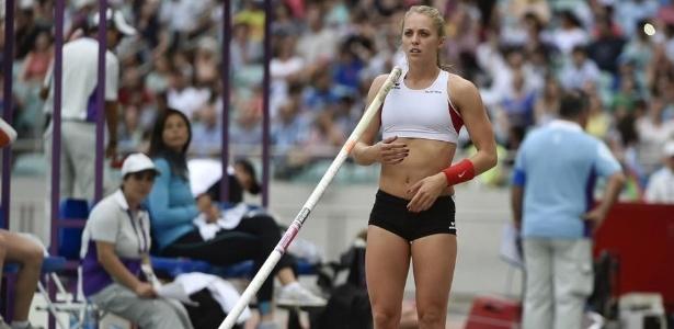Kira Grünberg caiu enquanto saltava com vara durante um treinamento