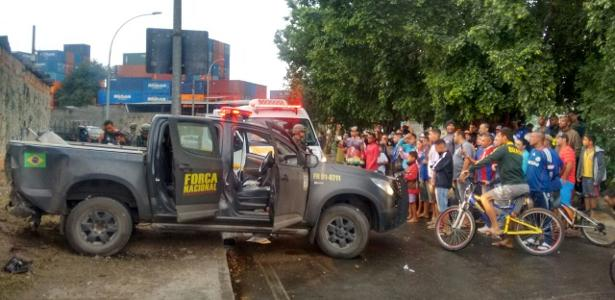 Carro da Força Nacional foi atacado a tiros por traficantes
