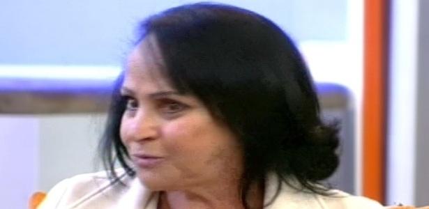 """Mãe de Léo Áquilla dá entrevista ao """"Hoje em Dia"""" (13/7/12)"""