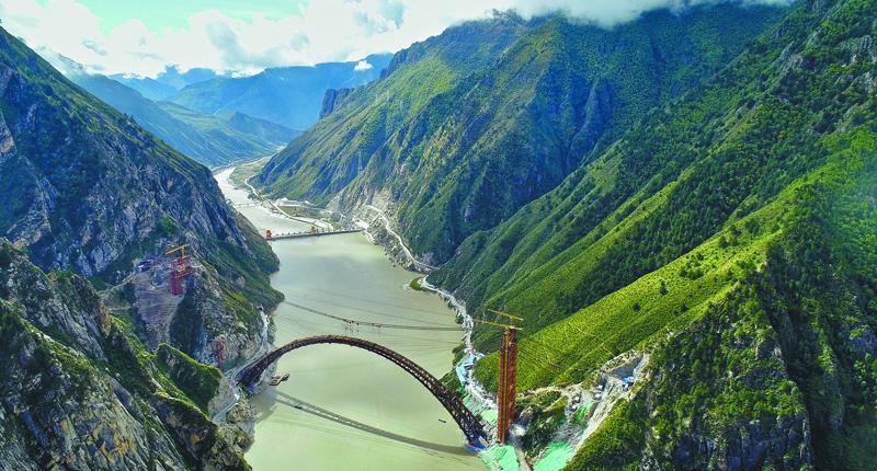 川藏鐵路高難度 跨5地貌7大河 - 翻爆 - 翻報