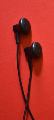 earphone-2639487_1920