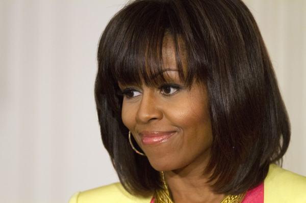 Прически на средние волосы женщине 50 лет: Прически на ...
