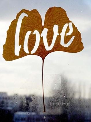 Ginko leaf: cut-out Love