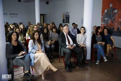 Evening presentations - Photo by Artsvit Gallery