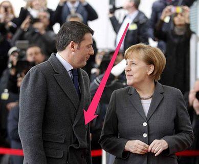 Imbarazzante momento Renzi Merkel