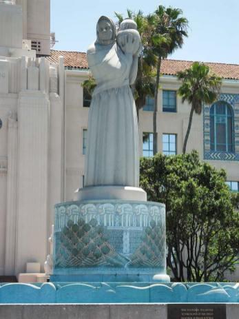 San Diego Highlights - Statue