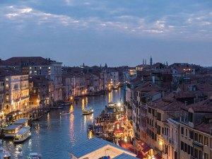 Venedig Canal Grande zum Sonnenuntergang