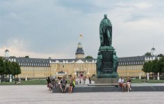 Schlossplatz Karlsruhe