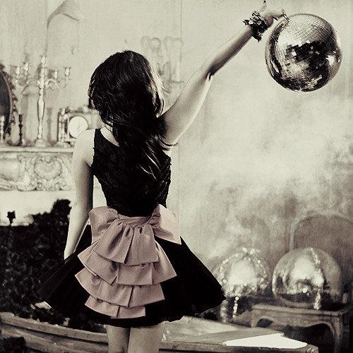 brunette_disco_ball_disco_balls_dress_fashion_female-cf7e52b5d44f727f9825595cccd2763f_h