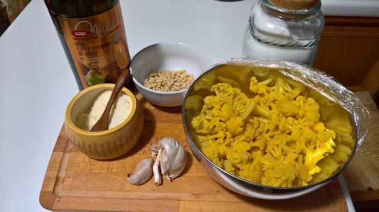 Il pesto di cavolfiore giallo, ingredienti fondamentali
