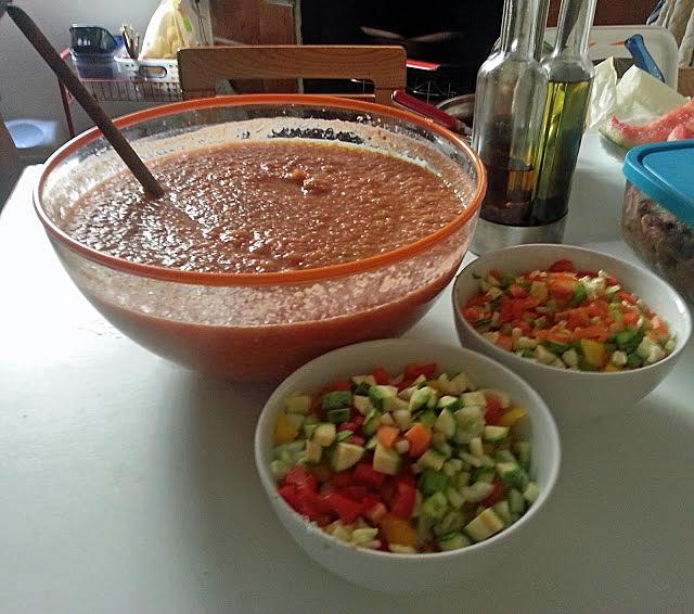 Un classico della gastronomia spagnola, più precisamente dalle origini andaluse, il gazpacho.