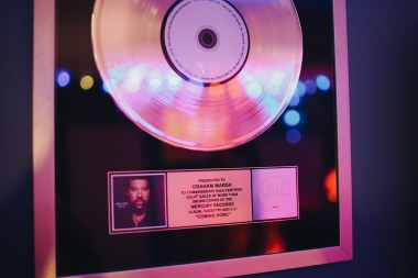 Gold Record for Lionel Richie's 'Coming Home'