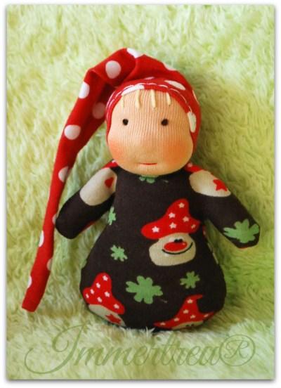 Mini Pilz im Schlafsack.