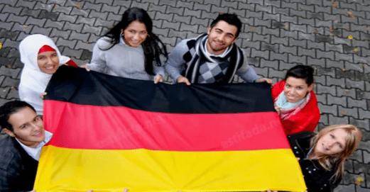 دورة تكوينية لتكوين عمال عاملات على الآلات بدولة ألمانيا