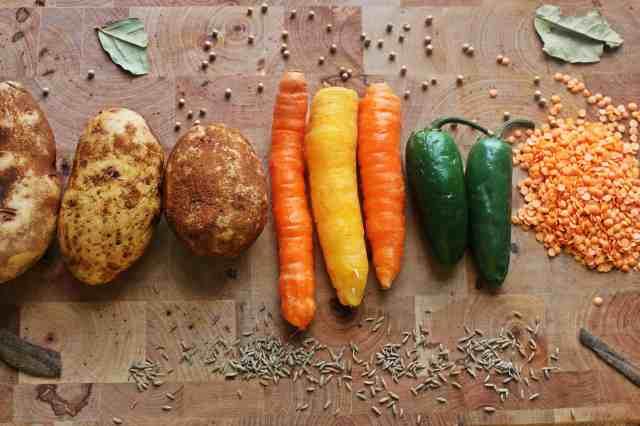 Red lentil stew ingredients