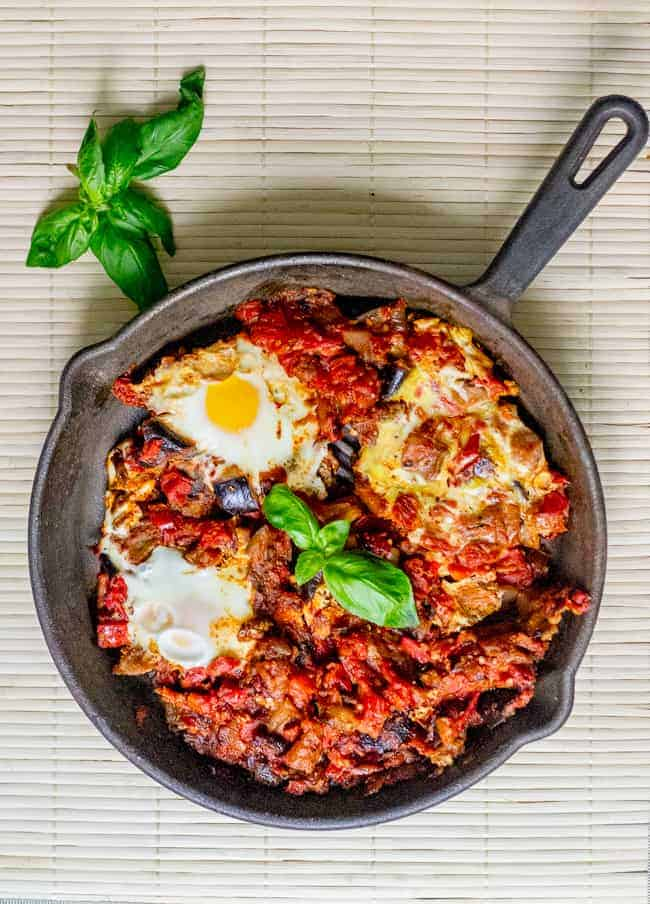 0d2d76574d42 The best eggplant shakshuka