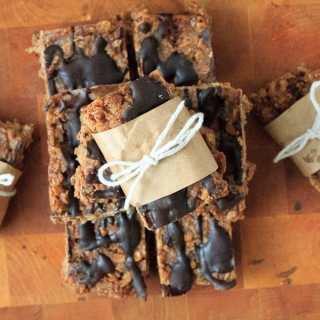 Pear chocolate granola bars and the Friday link round-up