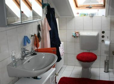 Immobilien Hahnefeld 91326218 Gäste WC