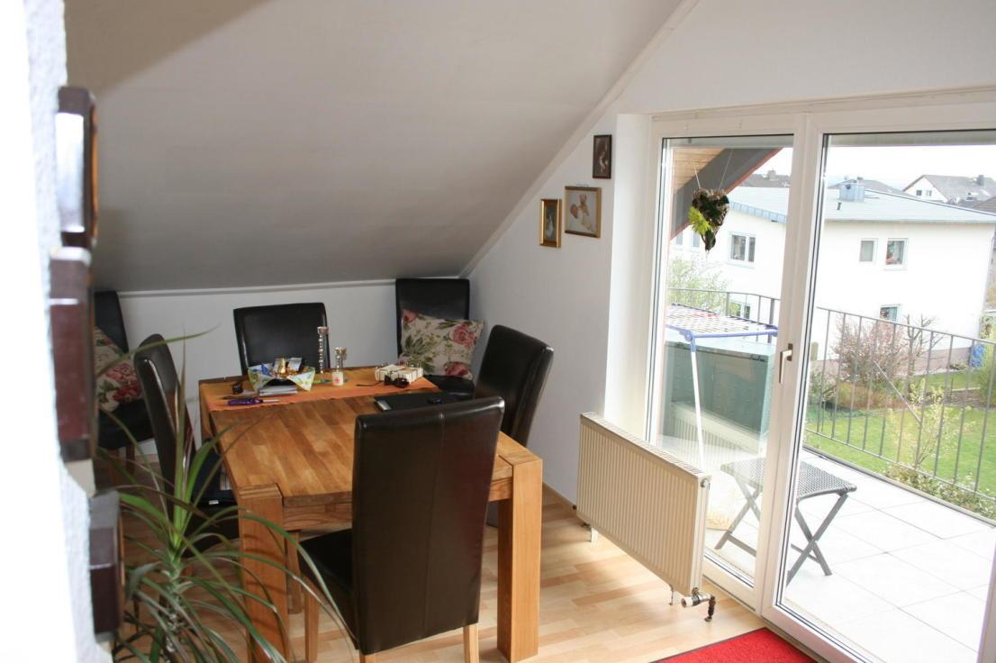 Immobilien Hahnefeld 91326218 Esszimmer mit Balkon