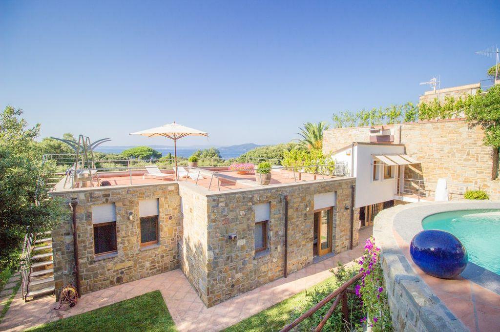 Villa de luxe de 10 pièces en vente Poggio del Barbiere, Punta Ala, Provincia di Grosseto, Toscane   € EUR
